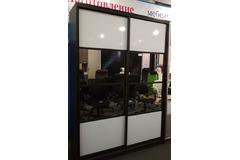 Шкаф-купе со вставками мдф и зеркала