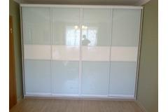 Шкаф-купе со стеклом10