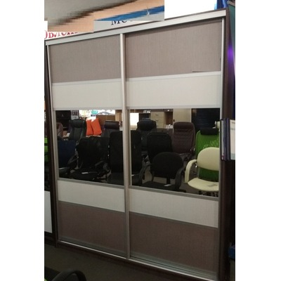 Шкаф-купе с зеркалом и мдф вставками