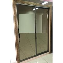 Шкаф-купе с багетом и зеркалом
